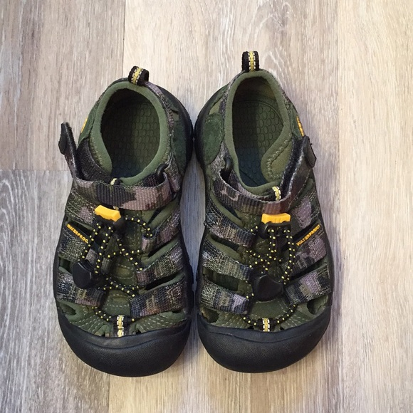 17e20bac4bf8 Keen Other - New Toddler Boys Keen Waterproof Shoes Size 10